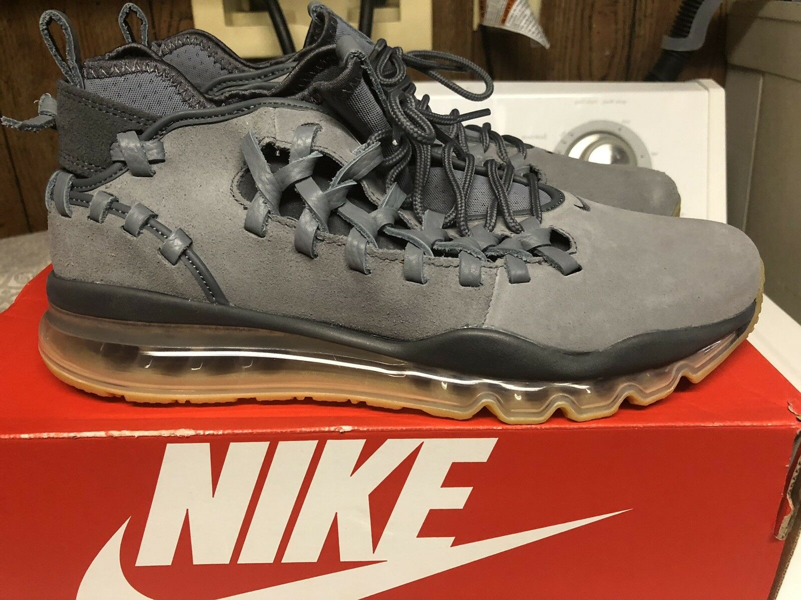 Nike Air Max TR17 Running Mens Size 10 shoes Cool Dark Grey Gum