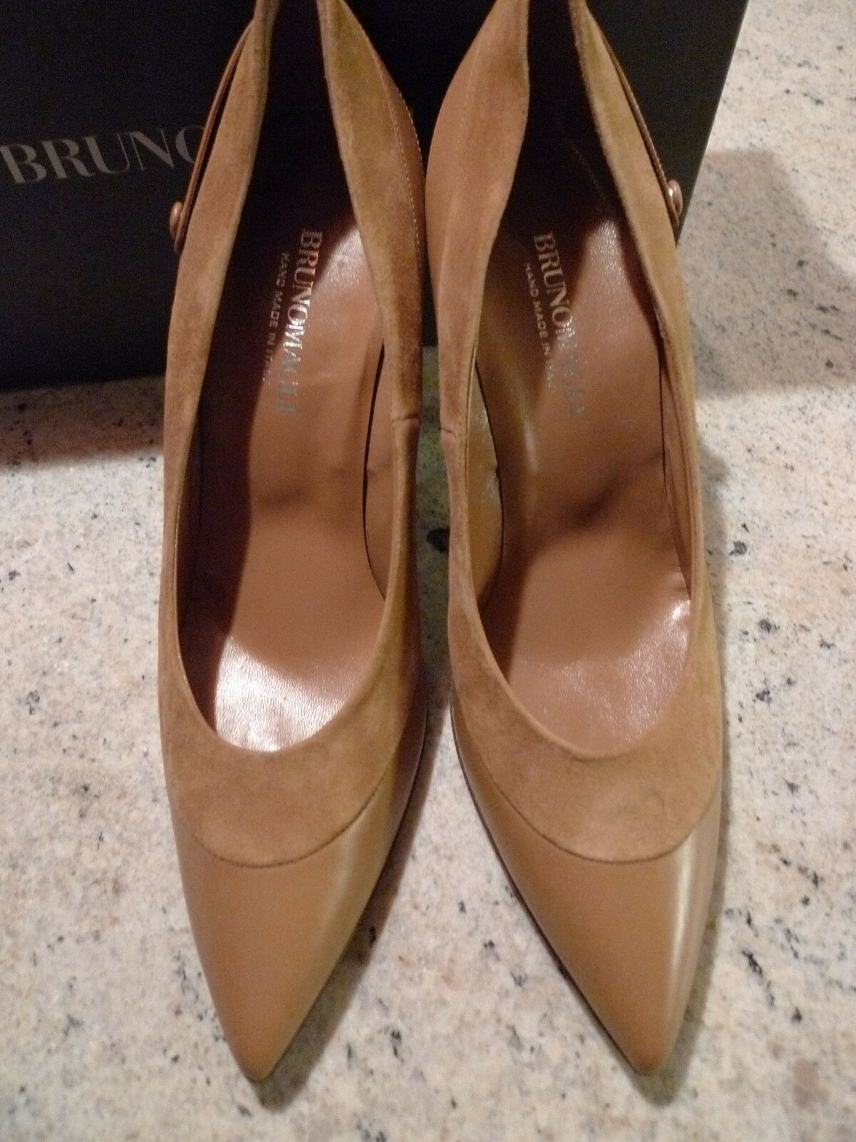 890. BRUNOMAGLI HAND MADE LEATHE/SUEDE TAN COLOR HEEL PUMPS ITALY SIZE 9 1/2
