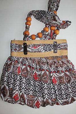 Damen Handtasche /Schultertasche Neu sehr schön modern