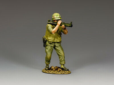 VN046 Crouching Marine Firing M72 LAW by King and Country | eBay