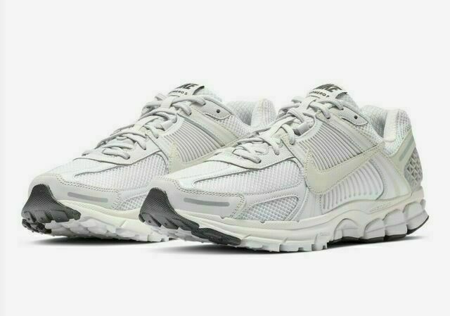 Nike Zoom Vomero 5 SP Running Shoes for