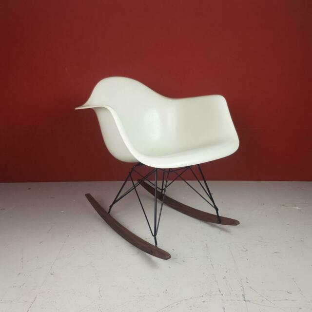 Vintage Eames Herman Miller RAR a Dondolo Sedia in Bianco