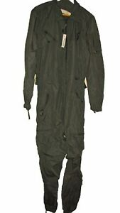 CVC COMBAT VEHICLE CREWMAN/'S COVERALLS US MILITARY TANKER FLAME RESISTANT SMALL