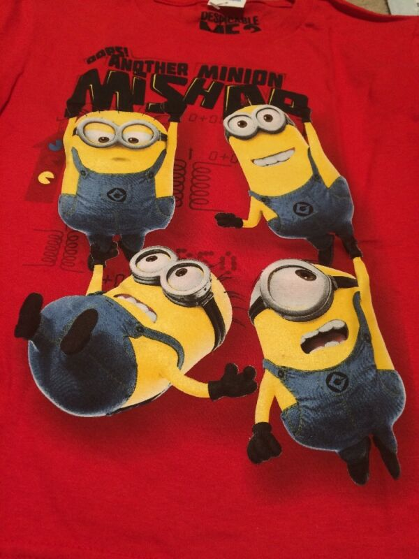 Universal Kids T Shirt Despicable Me Minions Mishap Size 8 Medium New Nwt