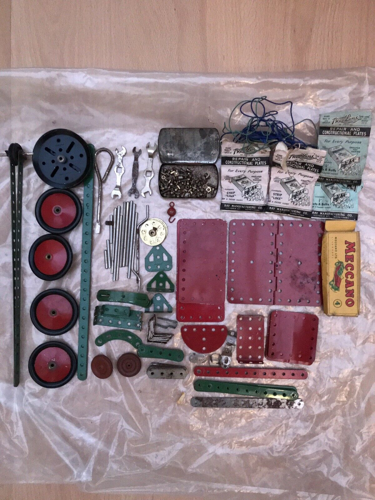Meccano No.4 Outfit With Original Box And Instructions