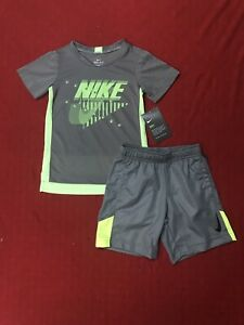 Nike Toddler Boy 2 Pc Set Short Sleeve Tee /& Dri-F Dual Pockets Shorts Sz 2T NWT