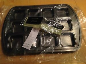 Pampered Chef Brownie Pan With Mini Nylon Serving Spatula