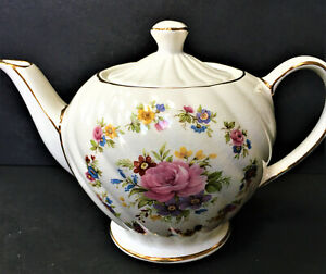 SADLER-BONE-CHINA-ENGLAND-INDIVIDUAL-SERVING-TEAPOT-FLORAL-SWIRL-DESIGN-MINT