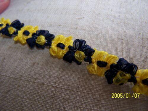 Couleur bleu marine et jaune N°4 Au mètre Galon rococo ancien des années 60