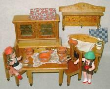 altes Möbel für Wohnzimmer mit Zubehör für Puppenstube, selten