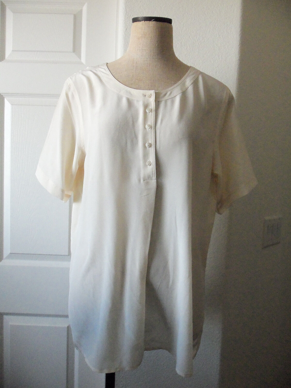 Brooks Brothers Cream 100% Silk Round Neck Short Sleeve Tunic Blouse - 10