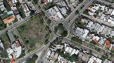 Terreno Comercial frente a Glorieta en Los Pinos