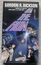 On the Run by Gordon R. Dickson PB 1st Tor 53570 - trapped in a maze