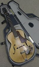 "Godin 5th Avenue Archtop ""Django"" w/TRIC case - Floating Pickup - one of a kind!"