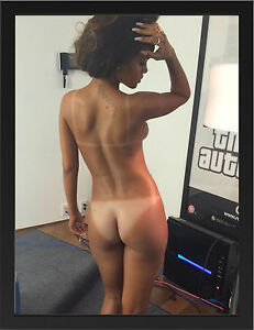 RIHANNA-3-SEXY-CELEBRITY-SINGER-A3-FRAMED-PHOTOGRAPHIC-PRINT-POSTER