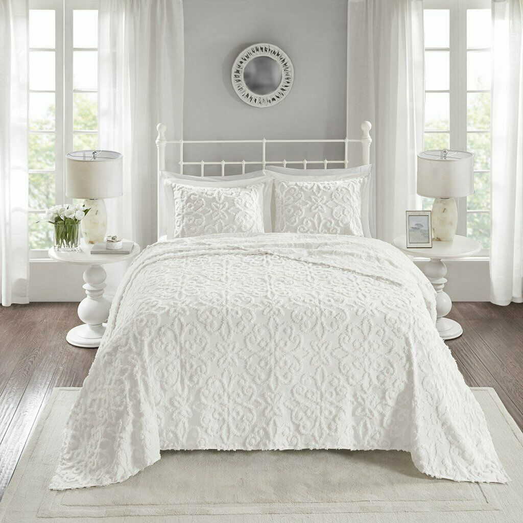 Madison Park Sabrina 3 Piece Full Queen Size Tufted Cotton Chenille Quilt Set