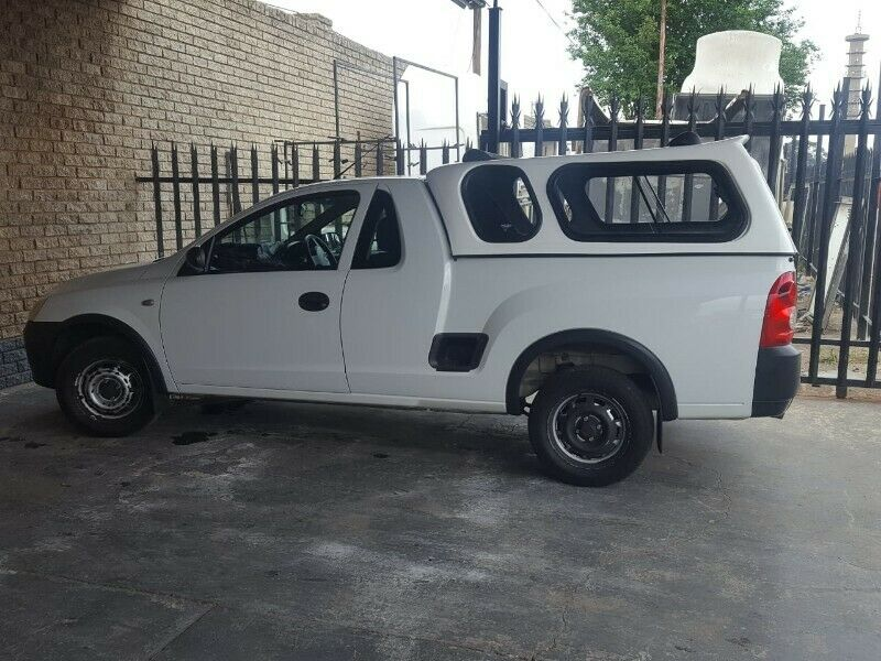 OPEL CORSA UTILITY LOW -LINER BRAND NEW GC BAKKIE CANOPY FOR SALE!!