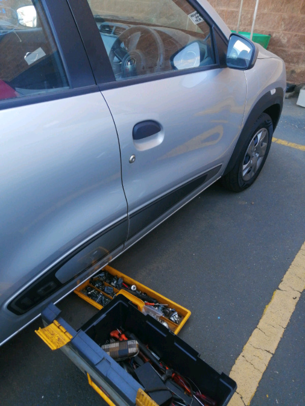 Renault kwid doorlock repairs