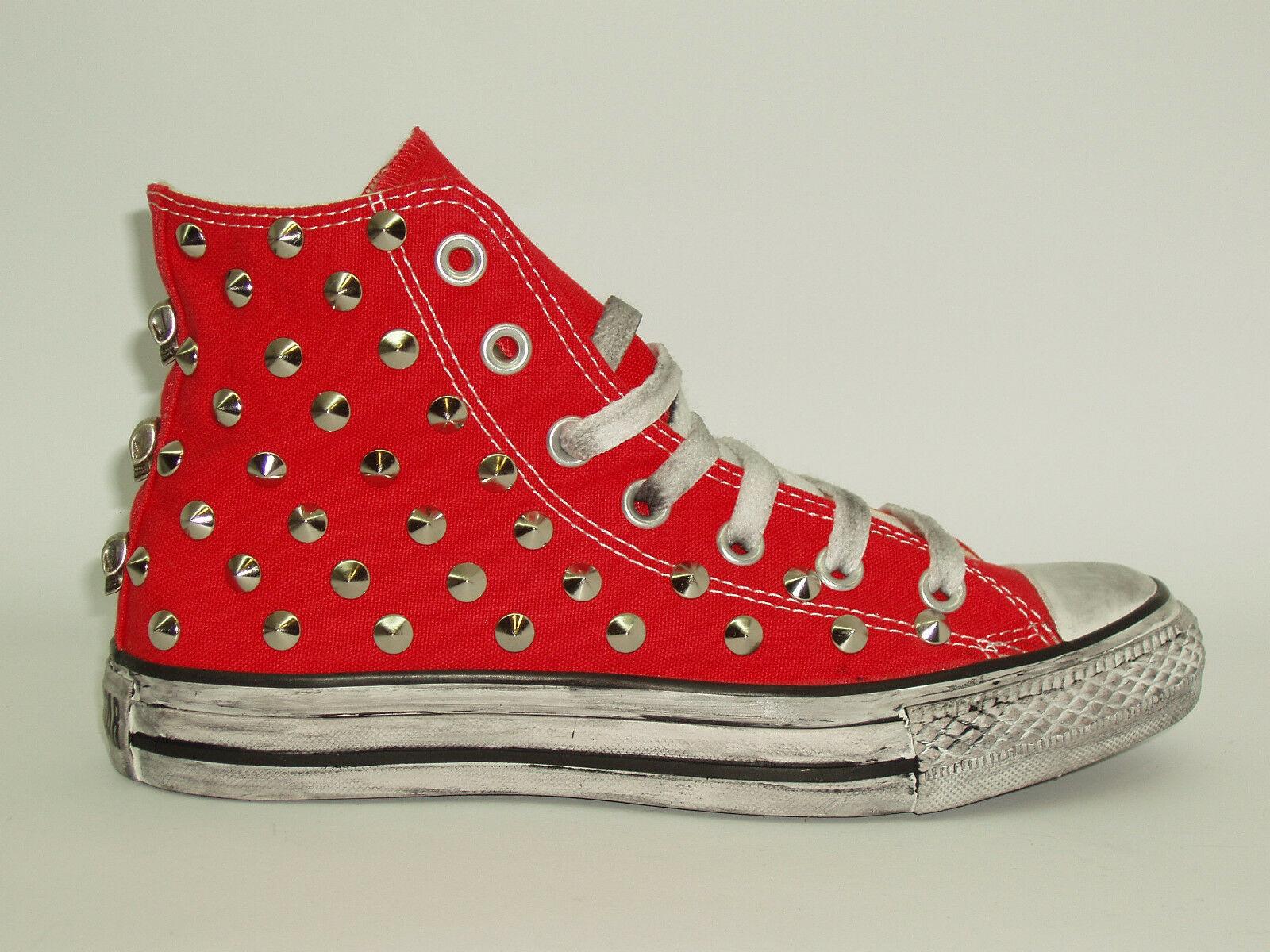 Converse all rosso- star Hi borchie teschi   rosso- all nero -blu-grigio-bianco artigianali 73a48d