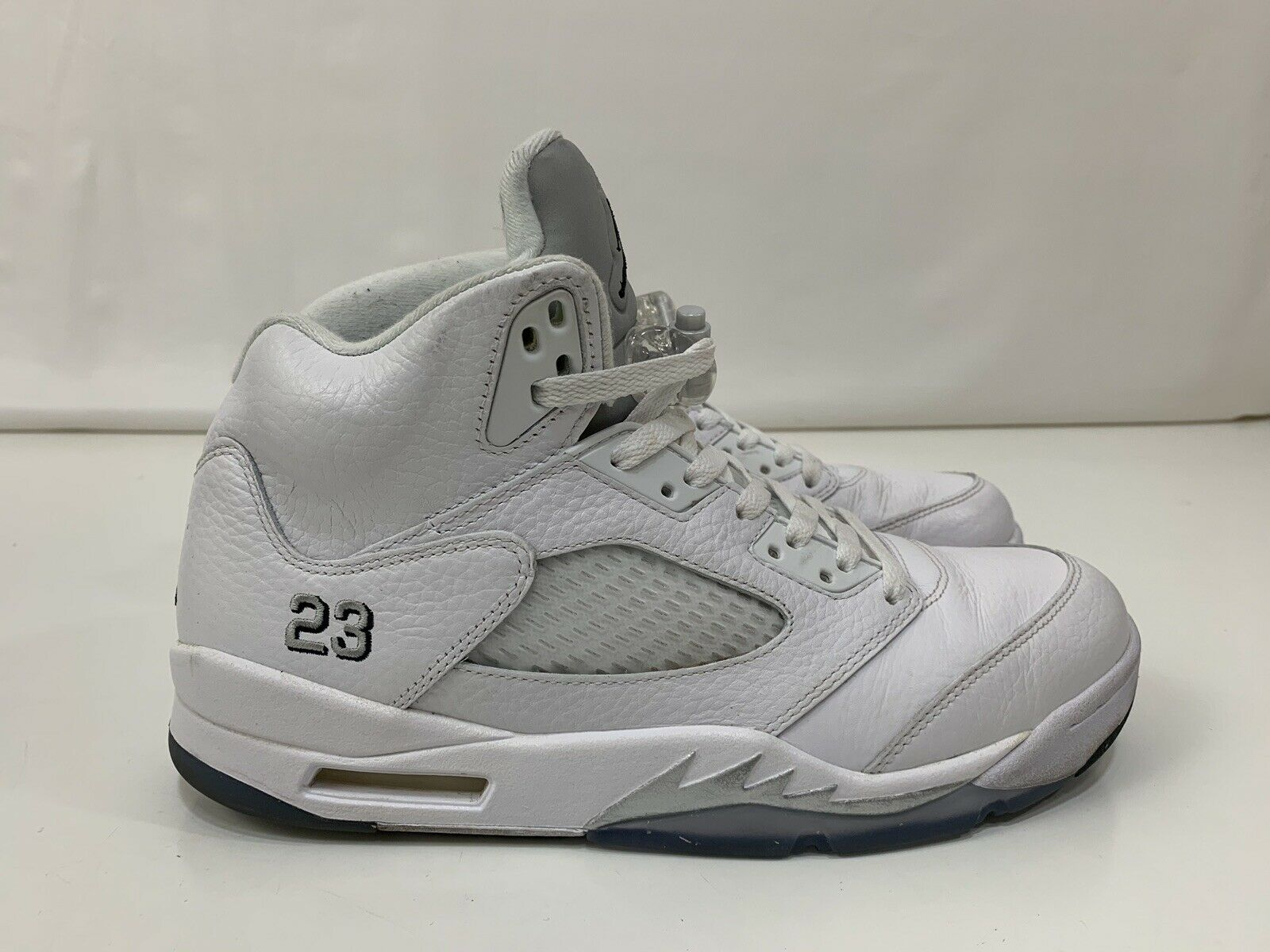 2015 AIR JORDAN 5 RETRO  METALLIC WHITE  136027-130 MENS SZ 8.5 Silver