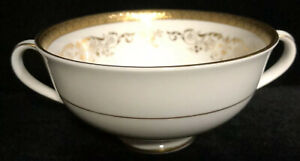 Royal-Doulton-Belmont-footed-cream-soup-bowl-vintage-china-Heavy-Gilt-edge