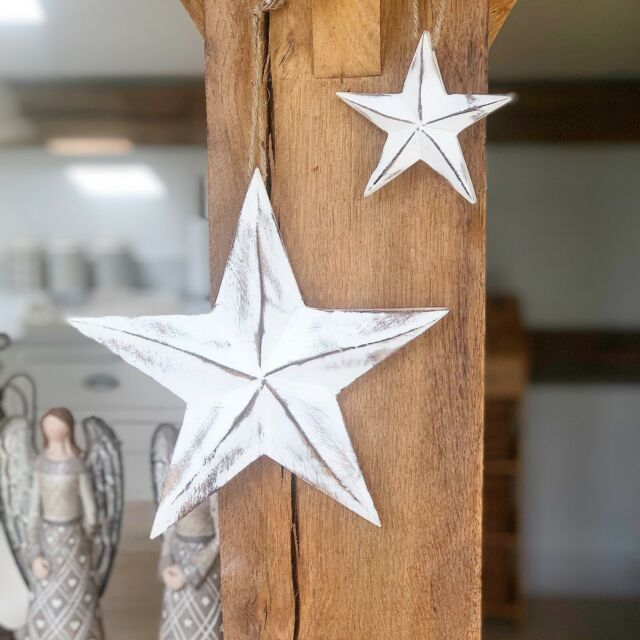 Set Of 2 White Wooden Shabby Country Chic Stars Wall Hanging Wall Art Decoration