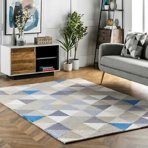 nuLOOM-Bianca-Triangles-Area-Rug-in-Gray