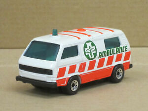 "VW T3 Transporter in weiß/rot ""Ambulance"", ohne OVP, Matchbox, 1:62"