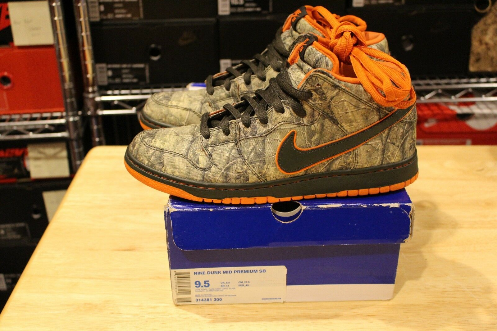 0422f8915361a Nike Dunk Mid Premium Realtree Camo 314381 Size 9.5. Supreme Jordan 1 Lot  SB 300 nwtfwx2389-Athletic Shoes