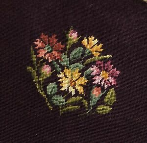 Vintage-Floral-Needlepoint-19x19-034-Purple-Tapestry-Panel-READ-RF1032