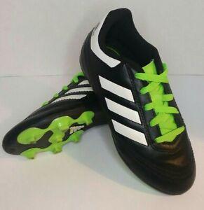 Les Jeunes Garçons/Filles Adidas Soccer Crampons Taille 12k, Noir/Vert & Protège-tibias S1