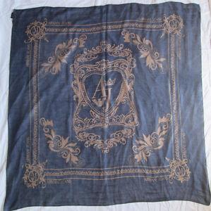 Superbe-chale-ARMANI-JEANS-100-soie-TBEG-vintage-scarf-135-x-135-cm