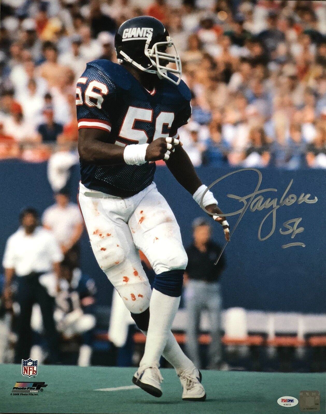 Lawrence Taylor autographed signed 16x20 NFL New York Giants PSA MVP Photo File