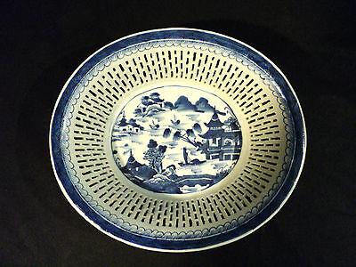 19. C Antik Chinesisch Export Blaue Kanton Netzartig Obstschale, C 1840 Warm Und Winddicht