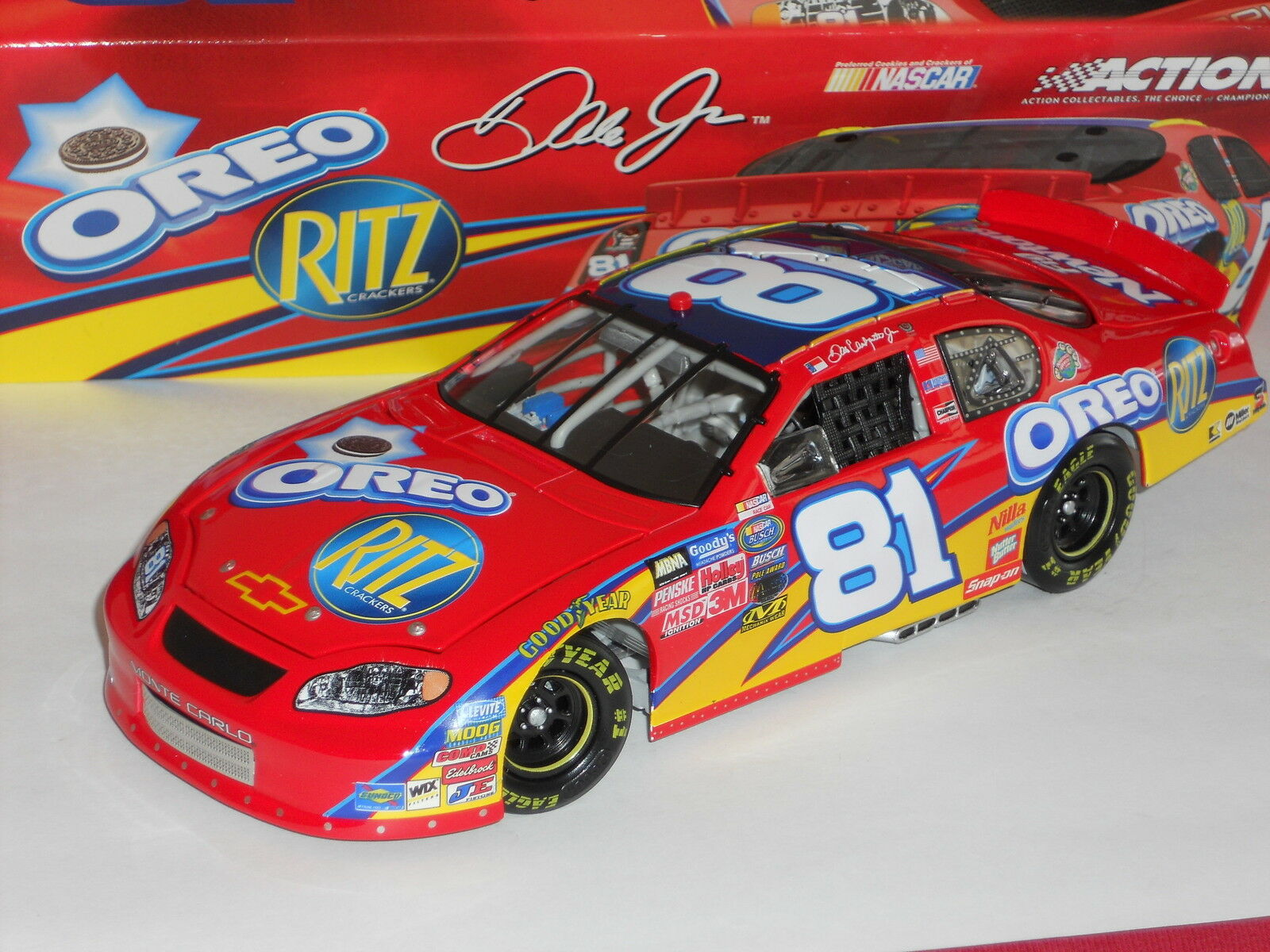 Dale Earnhardt Jr Action 2005   81 rosso RITZ   OREO 1   15,516