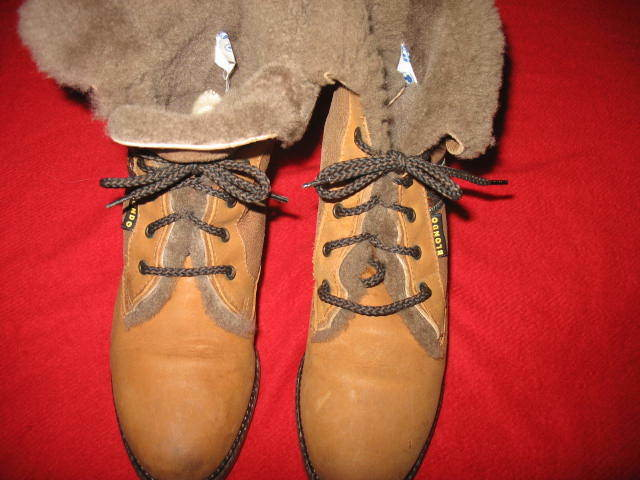 BLONDO, WOMEN'S SHEARLING ALL LEATHER BOOTS, SIZE  6.5, COLOR  BROWN & TAN, NEW,
