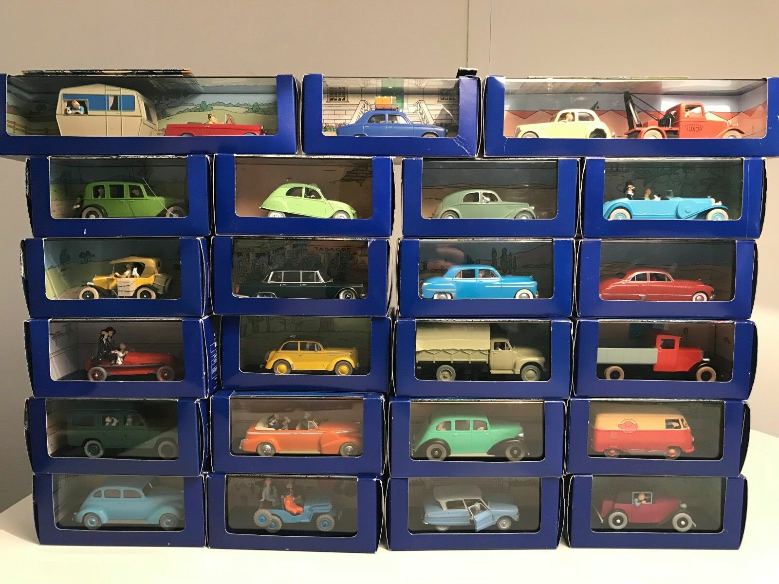 NEW RARE TINTIN car collection. 23 Boxes with metal cars and Figures SCALE 1 43