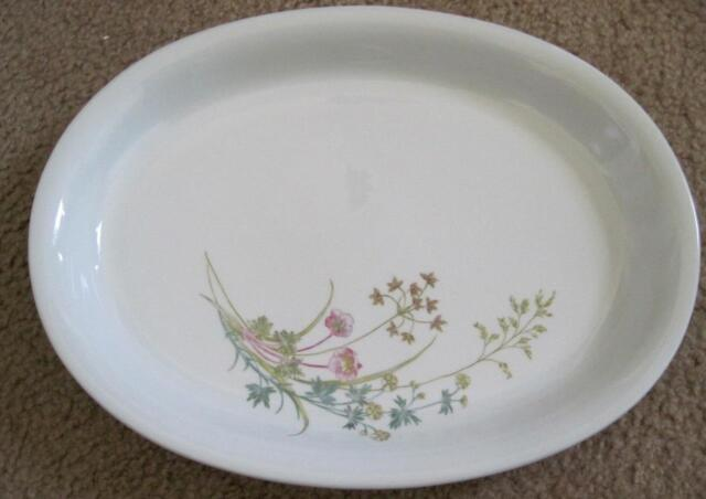 """Arabia Pottery Wildflowers 14.5"""" Deep Oval Serving Platter Made in Finland"""