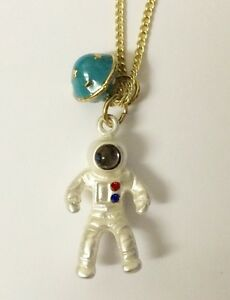 Funky Kisch Quikry Spaceman Appllo On The Moon Jupiter Saturn Universe Necklace - <span itemprop=availableAtOrFrom>LERWICK, United Kingdom</span> - mustbe returned in original packaging ! Unused! Most purchases from business sellers are protected by the Consumer Contract Regulations 2013 which give you the right to cancel the purchas - LERWICK, United Kingdom