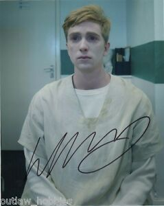 Luke-Newberry-In-The-Flesh-Autographed-Signed-8x10-Photo-COA-D
