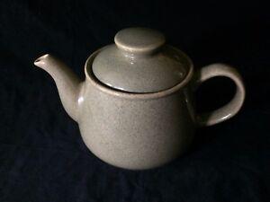 Vintage-green-Sadler-teapot-1-5-pints