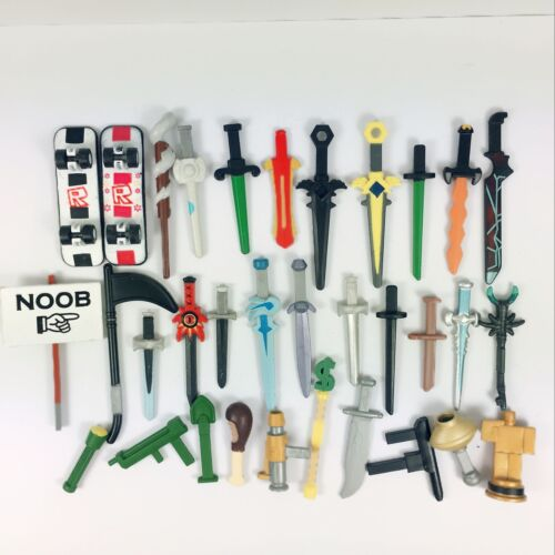 Lot of 15pcs Random Roblox Accessories Weapons Playsets for Roblox Figure