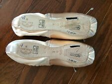 Pointe Shoes- FREED Classic 6 1/2 x
