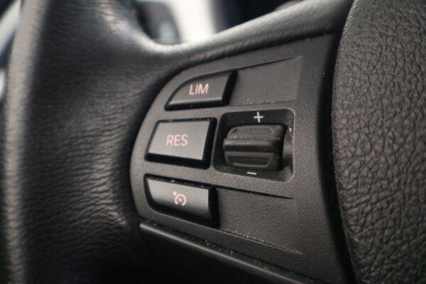 BMW 320d 2,0 aut. billede 4