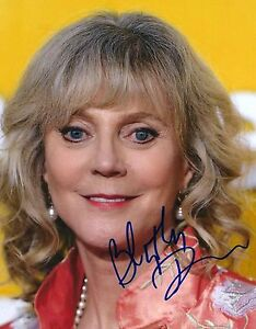 Blythe-Danner-signed-8x10-photo-Meet-the-Parents-Fockers