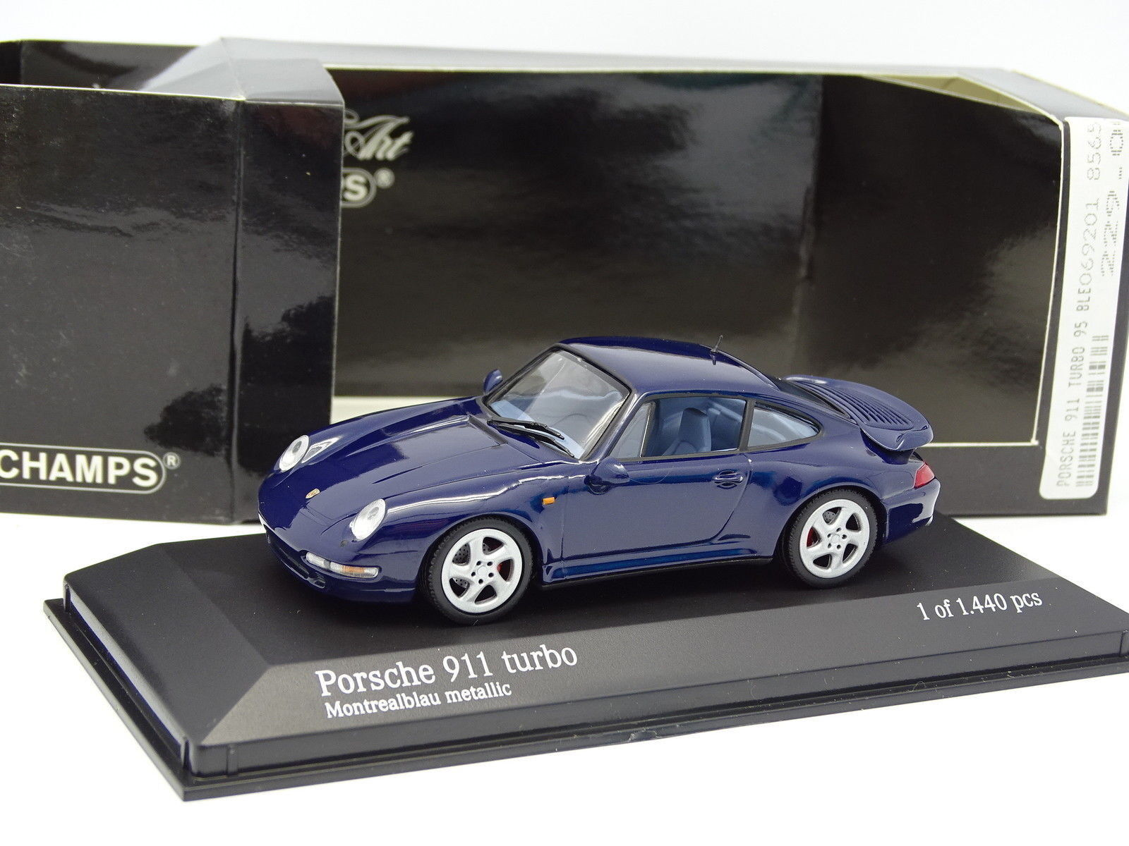 Minichamps 1 43 - Porsche 911 993 Turbo Montrealbleu