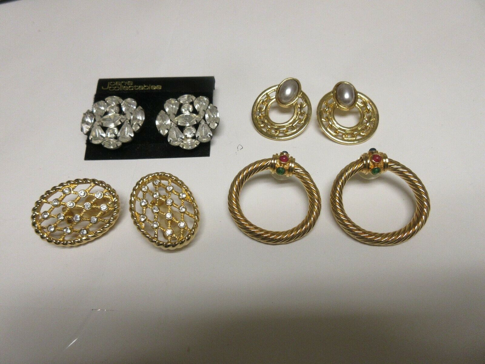 Costume Jewelry ,Vintage , Earrings , Joan's Collectibl
