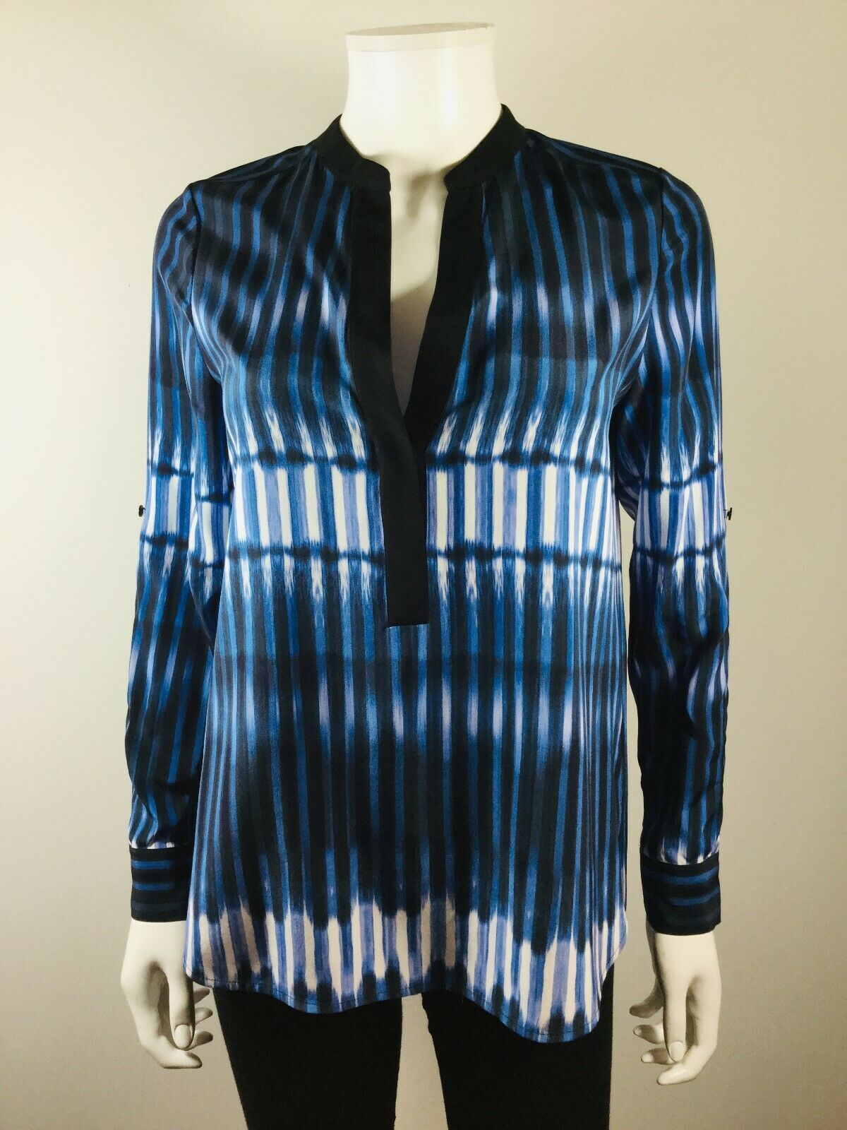 VINCE bluee Multi Size 2 Long Sleeve Silk Tunic Blouse