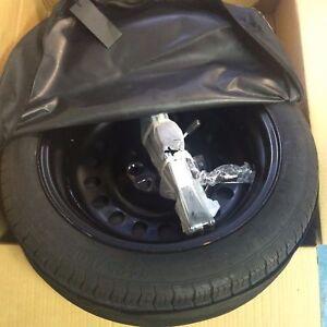 """kit rueda de repuesto galleta 17"""" para jeep compass <2017 con gato"""