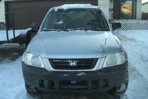 NICE 2000 HONDA CRV---LOW KMS --NEEDS TLC